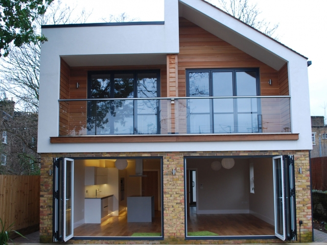 Bi-folding doors, Reynaers CF68 manufactured by Southern Windows