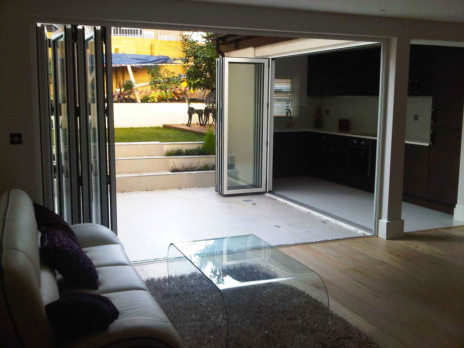 CF68 Reynaers Bifolds, corner design by Southern Windows