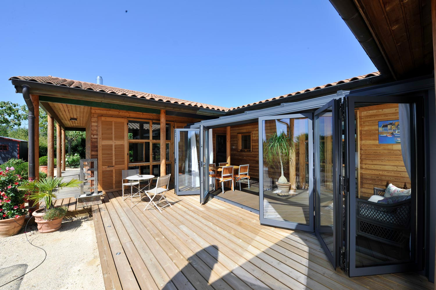 Reynaers CF68 Bifolding Doors manufactured by Southern Windows