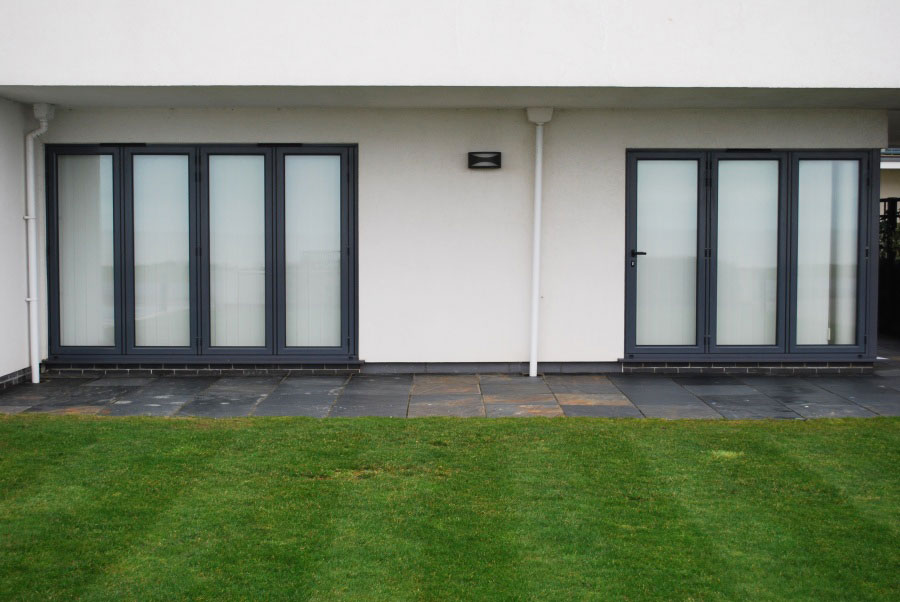 Reynaers bifolds CF68 by Southern Windows