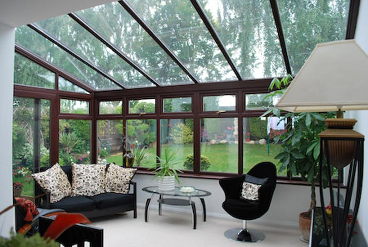 Lean-to glazed roof