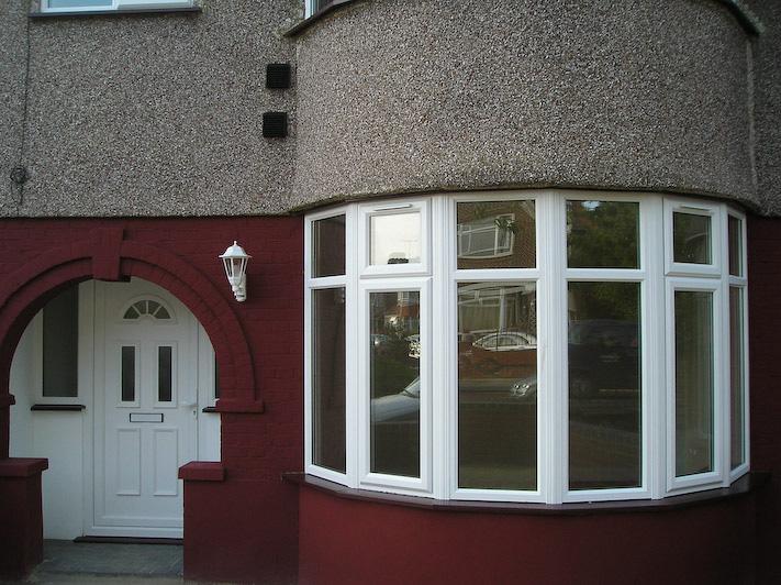 Bay window in white