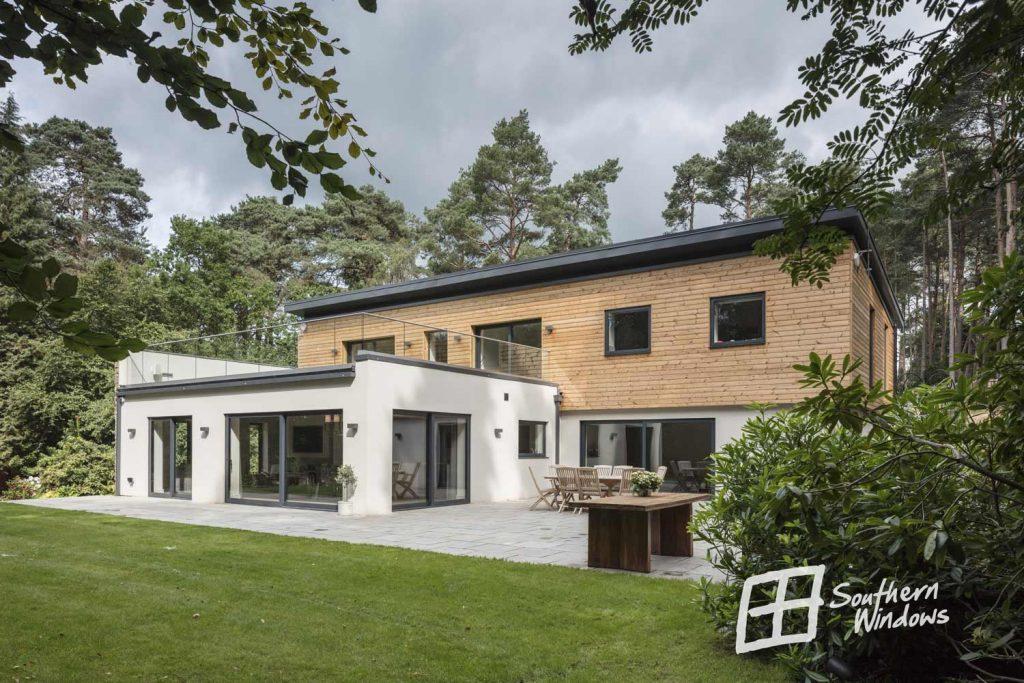 Smarthomes showhouse, Botany Woods, Surrey - sliding aluminium patio door