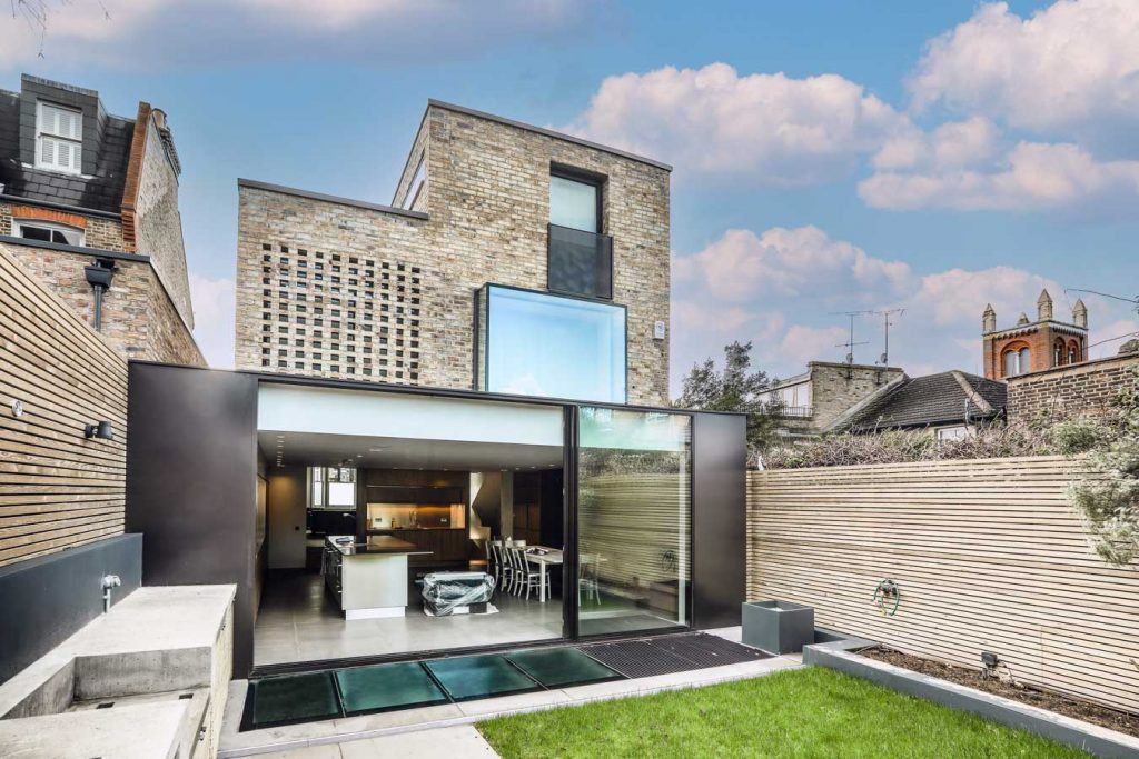Slim sliding doors and oriel window, Wandsworth project